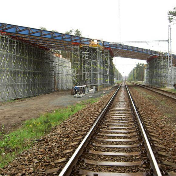bridge across railway line - highway D11